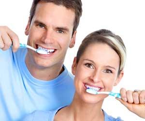 spazzolare i denti correttamente